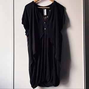 Aritzia Eryn Brinie black short sleeve shift dress